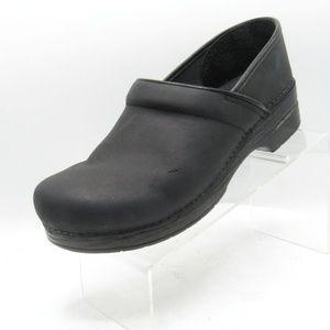 Dansko Shoes - Dansko Professional Size 10.5/11 Clogs C3B D29